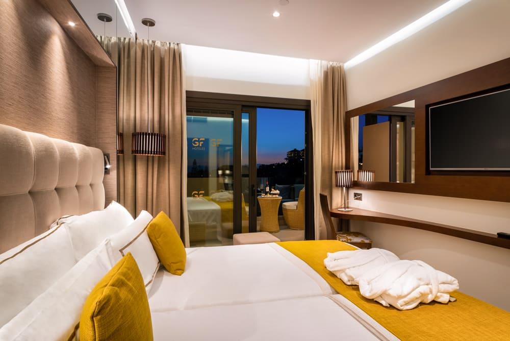 GF VICTORIA-Senior Suite